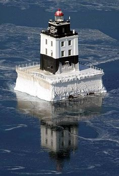 Poe Reef Lighthouse, located in waters south of Bois Blanc Island, 6 miles northeast of Cheboygan, Michigan, USA. Looks like a castle Lighthouse Pictures, Beacon Of Light, Am Meer, Great Lakes, Belle Photo, Beautiful Places, Scenery, Tower, Around The Worlds