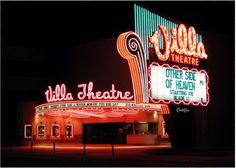 The great Villa Theater on Highland Drive in Salt Lake City. Sadly now a carpet store? Old Neon Signs, Vintage Neon Signs, Old Signs, Retro Signage, Drive In Movie Theater, Salt Lake City Utah, History Photos, Googie, Old Pictures