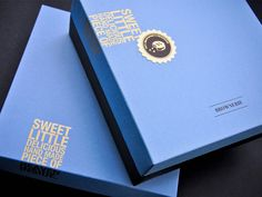 This project consisted of designing an identity and packaging for a bakery specializing in gourmet brownies.