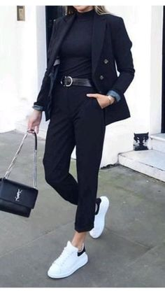Business Casual Outfits For Work, Blazer Outfits Casual, Work Casual, Cute Casual Outfits, Stylish Outfits, Chic Business Casual, Black Work Outfit, All Black Outfit For Work, Black Trousers Outfit Casual