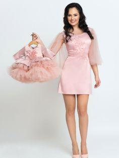 Seturi mama-fiica - Hira Design - Handmade Romania Satin, Formal Dresses, Romania, Floral, Handmade, Design, Fashion, Tulle, Dresses For Formal