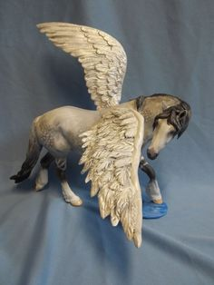 New CM Custom Breyer Classic Pegasus Drastic Horse by Dawn Duva Animals And Pets, Cute Animals, Bryer Horses, Winged Horse, Painted Pony, Horse Sculpture, Carousel Horses, Horse Art, Creatures