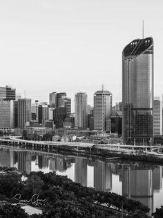 Photography & Travel Tips Brisbane River, Brisbane Queensland, Brisbane City, Moving To Australia, Australia Travel, City Photography, Landscape Photography, Fraser Island, Sunset Photos
