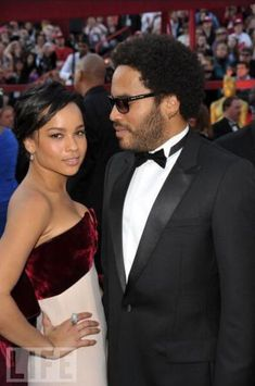 Famous Fathers and Daughters. This didn't say who this is, but I think it is Lenny Kravitz & his daughter ?
