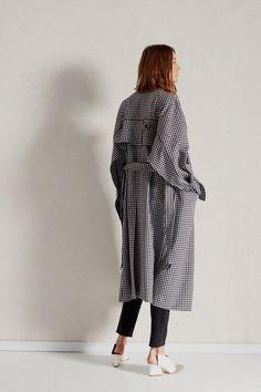 Tibi Pre-Fall 2018 Fashion Show Collection
