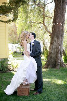 Propped up for a kiss!  |  jennifer bagwell photography & meghan wiesman photography