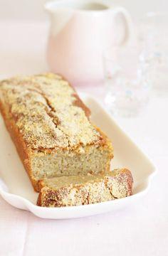 Rhubarb cake with marzipan // Rabarberkage med marcipan Danish Cake, Danish Dessert, Danish Food, Sweet Recipes, Cake Recipes, Marzipan Recipe, Rhubarb Cake, Rhubarb Recipes, Bread Cake