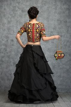 Ethnic dress - Blouse Back Designs To Rule This Season Choli Designs, Lehenga Designs, Saree Blouse Designs, Garba Dress, Navratri Dress, Indian Attire, Indian Wear, Indian Outfits, Indian Designer Outfits