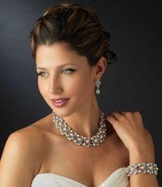 Light Ivory Pearl And Rhinestone Wedding Jewelry Set - stunning!