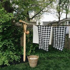 The smell of drying clothes on a clothes line is heavenly. Every cottage needs one. Country Life, Country Living, Country Houses, Country Farm, What A Nice Day, Laundry Lines, Laundry Rooms, Schoolhouse Electric, White Cottage