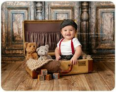 xero' ho preso la pixxa e basta Baby Boy Photography, Children Photography, Bebe 1 An, Baby Boy Pictures, Foto Baby, Baby Poses, Baby Portraits, Photographing Babies, Baby Month By Month