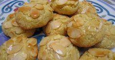 Ingrédients pour 15 biscuits:   110 g de beurre mou, 150 de sucre, 1…