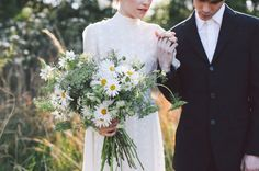 Flowers - lara-hotz-the-sisters-wedding-inspiration-lover-bridal-gown-dress5