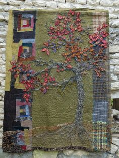 Textile art patchwork and embroidery. Art Fibres Textiles, Textile Fiber Art, Textile Artists, Colchas Quilt, Tree Quilt, Embroidery Art, Embroidery Stitches, Fabric Art, Fabric Crafts