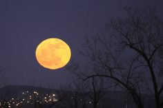 full moon in montreal