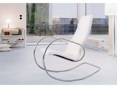 Sedie a dondolo, un relax in chiave moderna #poltrona #stool