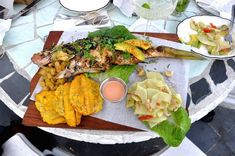 What To Eat in the Dominican Republic http://thingstodo.viator.com/dominican-republic/what-to-eat-in-the-dominican-republic/
