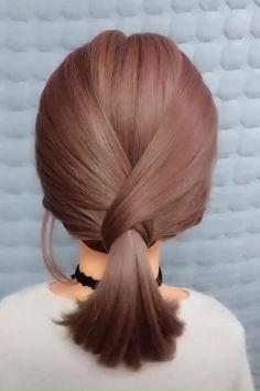 Front Hair Styles, Short Hair Styles Easy, Medium Hair Styles, Curly Hair Styles, Hair Medium, Short Hair Hacks, Short Hair Designs, Easy Everyday Hairstyles, Bun Hairstyles For Long Hair