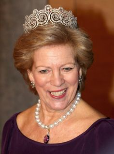 Queen Anne-Marie of Greece wearing the Khedive of Egypt Tiara. When Queen Ingrid of Denmark died, she left the tiara to Anne-Marie, her youngest daughter.
