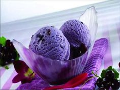 Black Currant Ice-cream is a rich textured low calorie ice cream, blended with delicious and healthy black currant and low fat milk. Black Currant Ice Cream, Black Currant Cake, Grape Ice Cream, Yummy Ice Cream, Ice Cream Recipes, Black Grapes, Black Currants, Currant Cake Recipe, Low Calorie Ice Cream