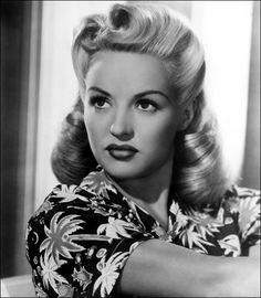 Image result for pin up des années 40