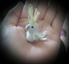 "Mini Cockatoo - Free Amigurumi Crochet Pattern - PDF File German and English - Click to ""download"" here: http://www.ravelry.com/patterns/library/kakadu-cockatoo"