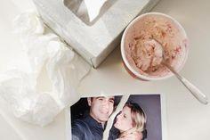 Um den Trennungsschmerz zu überwinden: Taschentücher, Eis und Erinnerungsstücke wegwerfen