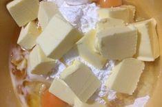 Fenomenální medové řezy s ořechy   NejRecept.cz Oreo Cupcakes, Cheese, Dios, Top Recipes, Honey, Oven, Food Food