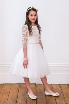 Elevate your little one's wedding look with our luxury ivory bridesmaid dress. Blush Flower Girl Dresses, Ivory Bridesmaid Dresses, Cute Girl Dresses, Dresses For Teens, Girls Occasion Dresses, Special Occasion Dresses, Gold Party Dress, Holy Communion Dresses, Wedding Dress Organza