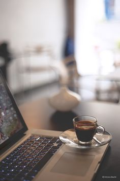 Keress egy olyan terméket, amit minden nap fogyasztasz és beszélj róla másoknak is, mint eddig, amikor semmi anyagi érdekeltséged nem fűződött hozzá! Ilyen egyszerű! Semmi több!  Ez a terméket: a ganodermás kávé! http://marticafe.dxn.hu/member_registration_private