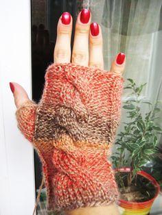 Митенки. Knitting fishnet fingerless gloves.