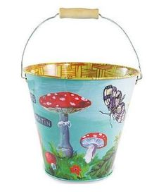 I have a metal bucket I could paint like this...