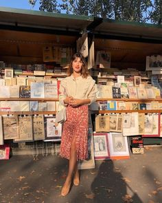 French Style Influencers - Jeanne Damas wearing Rouje in Paris Jeanne Damas, Parisian Style Fashion, French Fashion, German Fashion, Feminine Fashion, Fashion Line, Fashion Week, Girl Fashion, Fashion Outfits