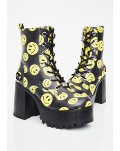 Free, fast shipping on Candy Night Terror Platform Boots at Dolls Kill, an online boutique for rave & kawaii shoes. shoes, platform sneakers, & platforms here. Over The Knee Boot Outfit, Knee High Boots, Black Platform Boots, Platform Shoes, Cute Shoes, Me Too Shoes, Kawaii Shoes, Vegan Boots, Aesthetic Shoes