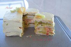 Bonjour. Voici une autre recette de sandwich cake. Celui-ci peut se réaliser avec pas mal d'ingrédients. J'ai voulu utiliser de l'avocat et bien résultat, c'est très bon. N'oubliez pas que pour un pique-nique il vaut mieux envoyer assiette et couverts...
