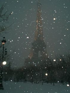 Paris in snow