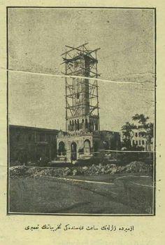 Izmir zelzelesinden sonra saat kulesi tamiri