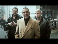 Vinnie Jones' hard and fast Hands-only CPR (funny short film), campaign by Grey London for the British Heart Foundation How To Give Cpr, Cpr Funny, Funny Short Films, Vinnie Jones, Cpr Training, Yours Lyrics, Best Ads, Grace, Staying Alive