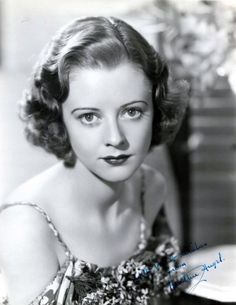 Old Hollywood Glamour, Hollywood Walk Of Fame, Golden Age Of Hollywood, Classic Hollywood, English Actresses, British Actresses, Hollywood Actresses, Heather Angel, Jeanne Crain