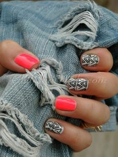 aztec nails #blackandwhite