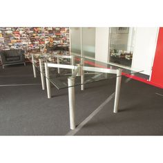 Contemporary Glass Meeting Tables. Glass Boardroom Tables.