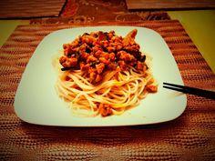 Spaghetti, Ethnic Recipes, Food, Meal, Essen, Hoods, Meals, Eten