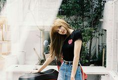 Lisa of Blackpink Kim Jennie, Snsd, South Korean Girls, Korean Girl Groups, Fake Instagram, Lisa Black Pink, Thai Princess, Rapper, Lisa Bp