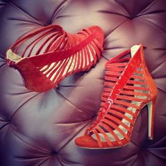 New Arrival in Cherry Heel!  Cage sandals ❤💙❤💙 An essential to impress everyone on luxury summer parties!  #CherryHeel #Luxury #shoe #boutique #summer #shoes #red #sandals #strapsandals #glamorous #sexy #style #fashion #MadeinItaly #girl #dolcevita #design #barcelonagram #eixample #shopping #shoestagram #love #барселона #шоппинг #итальянскиебренды #стиль #блогер #красота