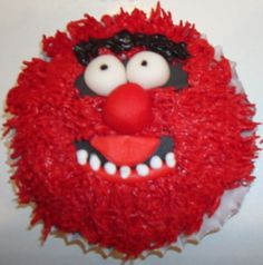 From muppetcupcakes.com - Shelby wants Animal cupcakes for her 13th birthday...this will be my inspiration