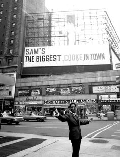 Sam Cooke in Times Square promoting his July 8th appearance at the Copacabana; photo June 1964.