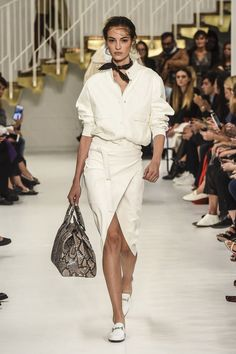 Tod's | Ready-to-Wear - Spring 2018 | Look 2