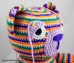 How to Add Faces to Amigurumi: Crochet Eyes and Eyelids