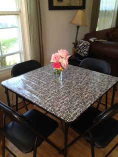 Turn your old card table into a bunco or party table! ouch-i-pinned-myself Bunco Themes, Bunco Ideas, Party Ideas, Bunco Party, Party Games, A Table, Dining Table, Halloween Kitchen, Duck Tape Crafts