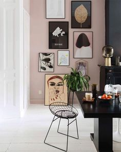 Große Galeriewand in diesem bunten Haus Large gallery wall in this colorful house, Interior Walls, Decor Interior Design, Interior Decorating, Studio Interior, Pastel Interior, Decorating Ideas, Inspiration Wand, Interior Inspiration, Decoration Bedroom